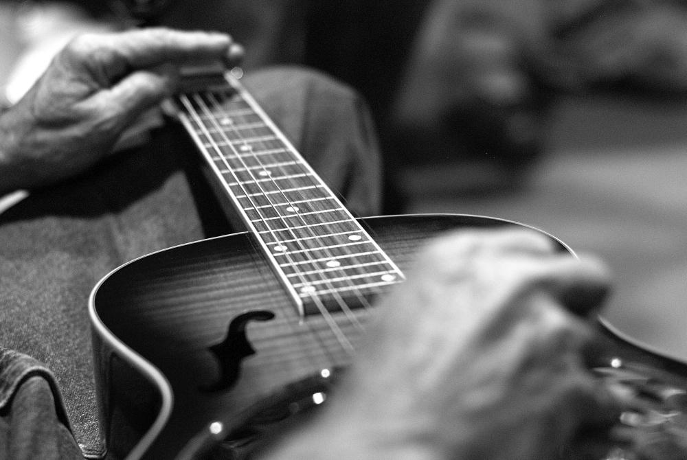 na-jakiej-gitarze-zdecydowac-sie-na-nauke-gry